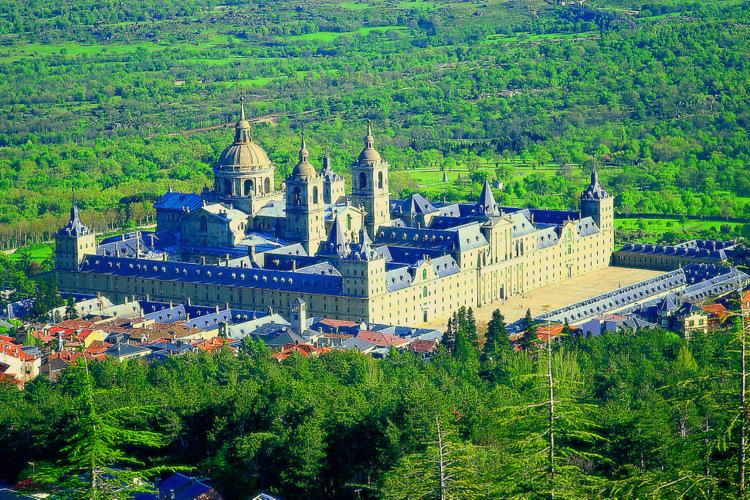 El Escorial Besichtigung des Königspalast mit der Gruppe